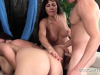 Teen stud doing a handful of cougar cunt after another