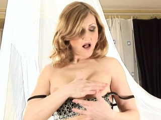 Grown up Woman In Stockings Masturbates