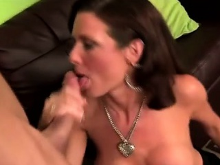 Gorgeous cougar Veronica Avluv tongues pervs arse hole