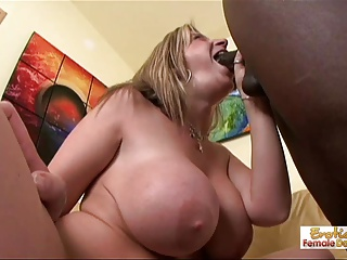 Obstacle log salesman can't resist this horny cougar's huge bo