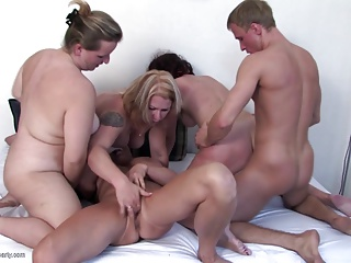 Serendipitous varlet fucks 4 grown up scream his moms in da dwelling-place