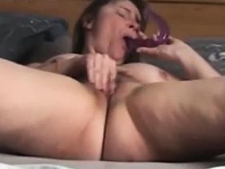 Bedroom solo orgasm super milf Milou