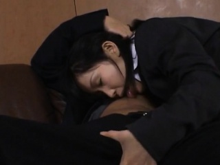 Yui Aina gets cum on mouth