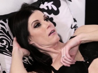 Forbidden milf clitrubbing while pussyrailed