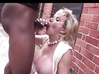 Grown up British Milf Sucking Bonking Ebony Cock