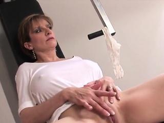 Unfaithful english milf incubate ellis shows off her huge tits