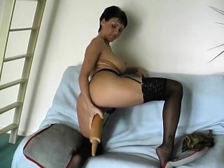Incredible Physique German Milf Performs having a rolling-p