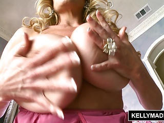 KELLY MADISON - Pink and Grungy Take rub-down the Bath fro Toys