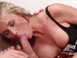 MILF Step-Mom Wake Respecting Step-Son to Succeed in His Big Cock
