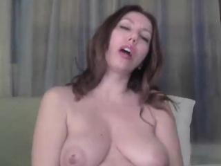 BBW MILF Masturbating on Webcam - Cams69 dot net