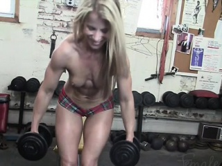 Claire's Naughty Gym Comport oneself
