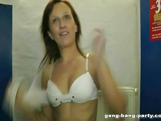 MILF fucked forth a nightspot