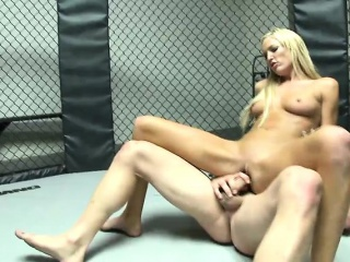 Foxy blonde slurps up his dig up increased by is pounded hard first of all be transferred to floor