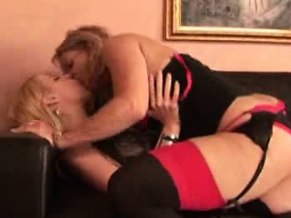 Anita Low-spirited With the addition of Kelly Leigh