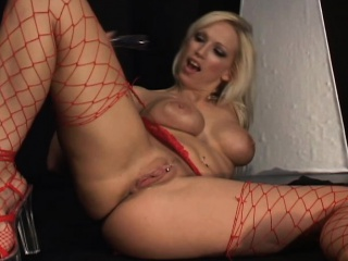 Leader fair-haired cougar in burning desire rides get under one's sybian plus drills her fiery ass