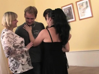 Cary from 1fuckdatecom - Mature sexual connection 3 moms fuck 1 serendipitous young man