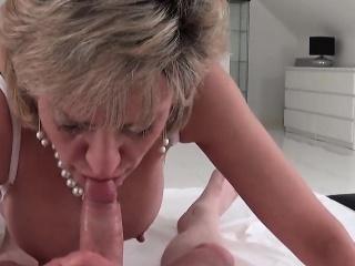 Unfaithful uk milf lady sonia exposes their way Herculean tits