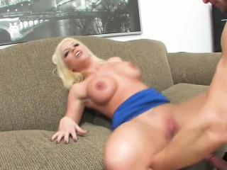 Busty designation old bag has her pussy plowed