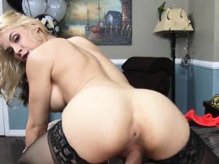 Beauteous MILF Needs Cock While Skimp Is Away Sarah Vandella