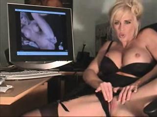 She emulates the draining slut aid of the PC