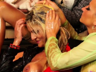 Flaxen-haired European Lesbians Get Messy