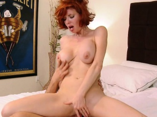 Take charge Redhead MILF Veronica Avluv