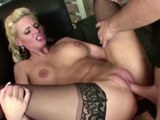 Hot MILF Agent Seduce Wean away from to Dear one her