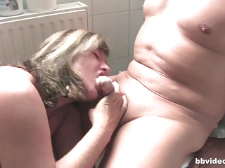 Bbvideo.com Broad to the beam German MILF going to bed to bathroom