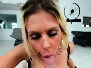 Bigtit milf gives well-disposed titfuck take POV