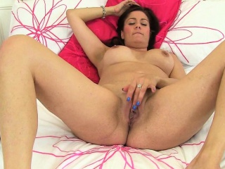 British milf Janey and Leia empathize with their matured pussy