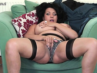 Dazzling uk milf with broad in the beam boobs Ellie from dates25com