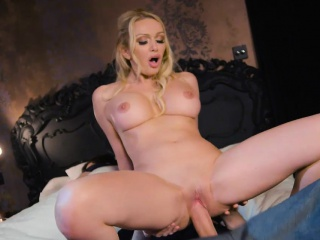 Grand boobs milf Amber Jayne slammed fast by long cock