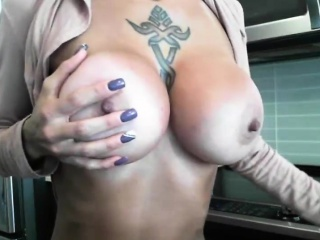 Hot Miasmic Milf Loves To Masturbate On Cam