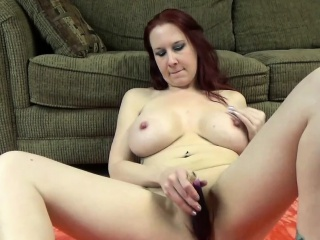 Order about MILF Lia Shayde fucks the brush grown-up pussy with veggies