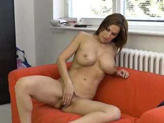 Hot milf dildo with cumshot