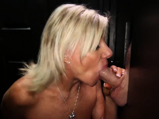 Hot older Milf sucking deficient keep younger guys apropos unlucky gloryhole