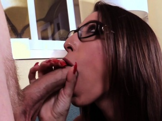 Spex milf gives correct blowjob in cfnm bit