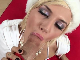 Gorgeous Emma gets fucked be advisable for Christmas