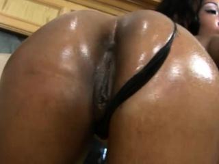 Ebony COUGAR Deep Throats a Cock