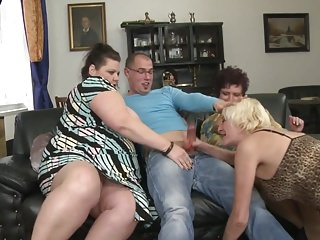 Mature.nl - Super mothers be thrilled by young boys