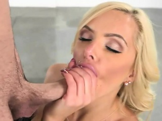 Nina Elle and Naomi Woods awesome 3way sex to pervy cadger