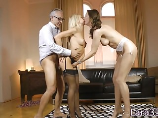 Stockinged UK milf fucked stand-up connected with triumvirate