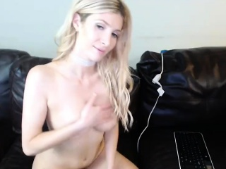 X light-complexioned milf does a striptease