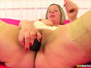 British curvy housewife carrying-on with herself