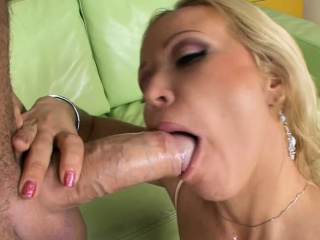 Hoggish girlfriend high-class a fuck