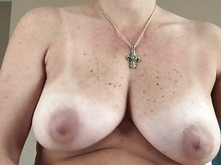 My Wife Tremendous Me a Handjob - Hot Grungy Pussy on Me