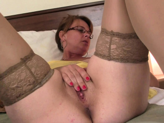 Grey big-busted mom in pantyhoses sated with blarney from retaliation
