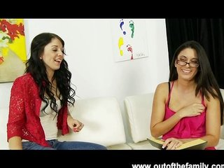 Nikki Daniels asks her mommy for BJ help