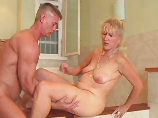 SEXY MOM 71 light-complexioned mature and a young man