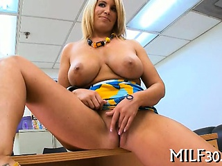 Voluptuous dam i'd like to fuck gets drilled